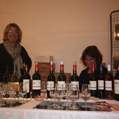 Deux exposantes vin qui aiment l'aquarelle